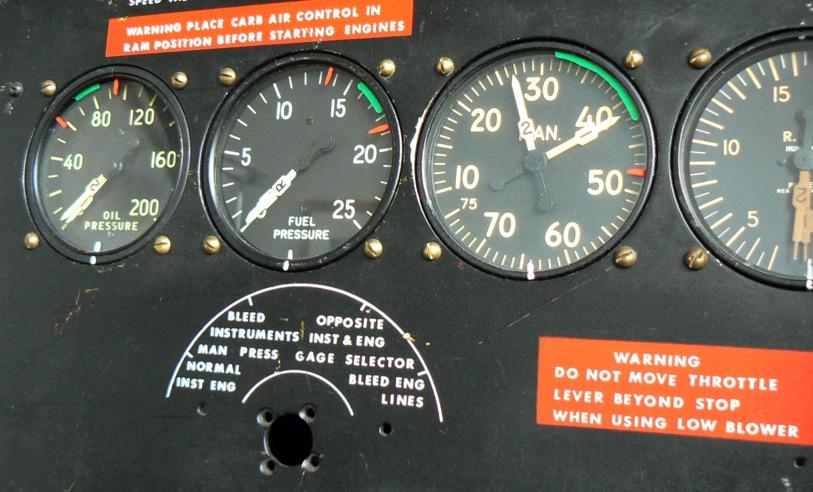 Douglas DC-3 C-47 (part 1/2) P1010090