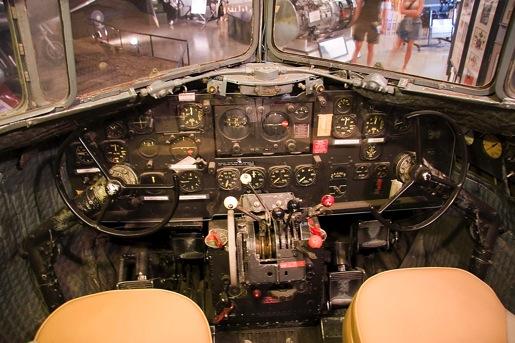 Douglas DC-3 C-47 (part 1/2) 212983067_641d40a9ef_b