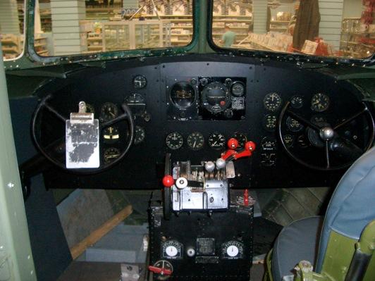 Douglas DC-3 C-47 (part 1/2) CIMG7076