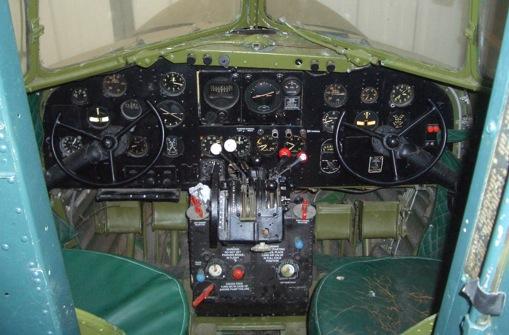 Douglas DC-3 C-47 (part 1/2) CIMG7228